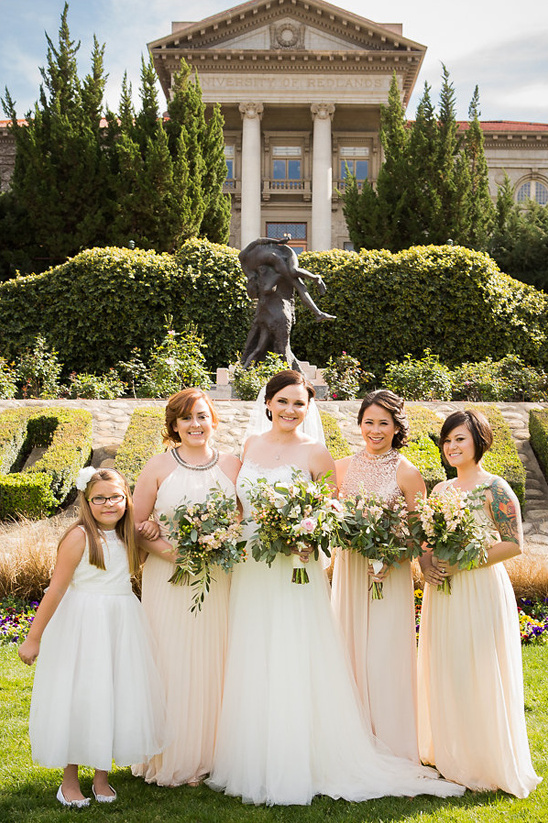 bridesmaids in champagne dresses @weddingchicks