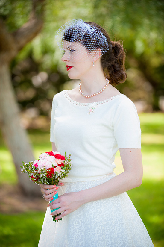 vintage bridal look @weddingchicks