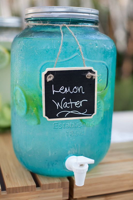 blue mason jar @weddingchicks