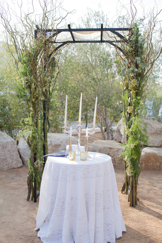 drift wood and greenery wedding arch @weddingchicks
