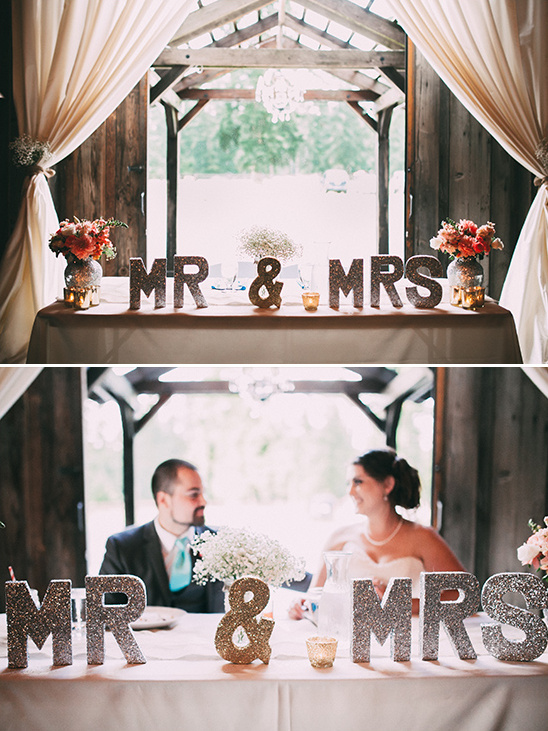 glittery mr and mrs sweetheart table sign @weddingchicks