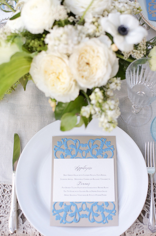 vintage blue menu by Paper Villa @weddingchicks