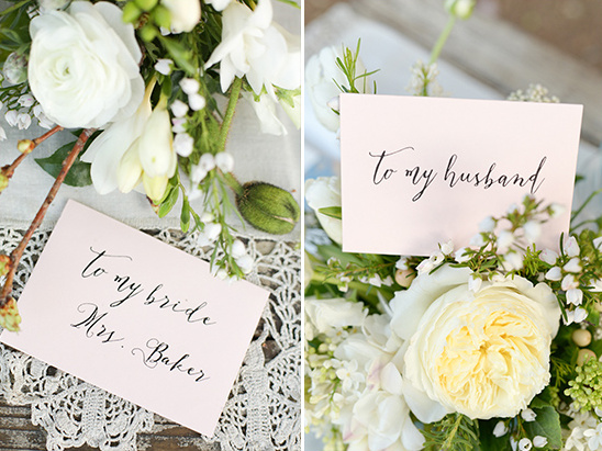 custom love notes to bride and groom by Paper Villa @weddingchicks