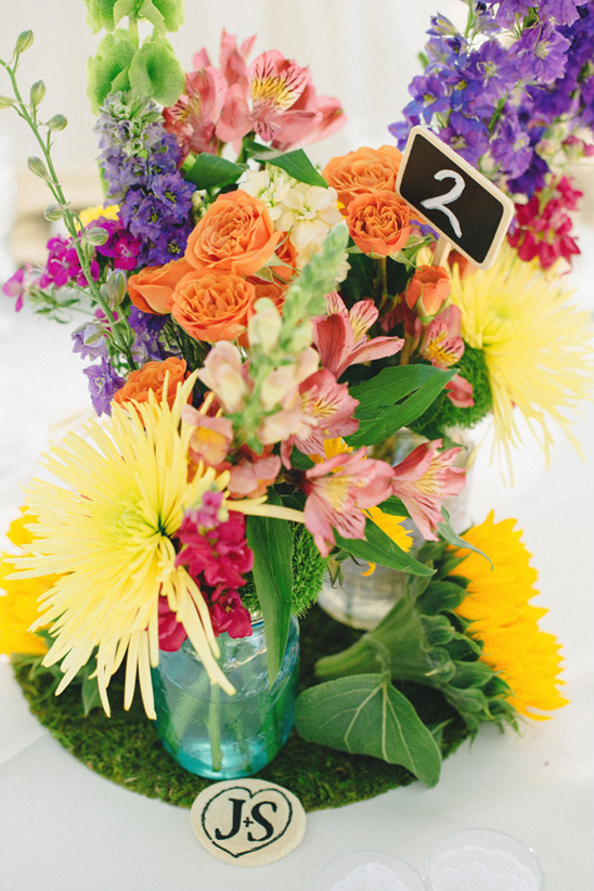 colorful floral centerpiece @weddingchicks