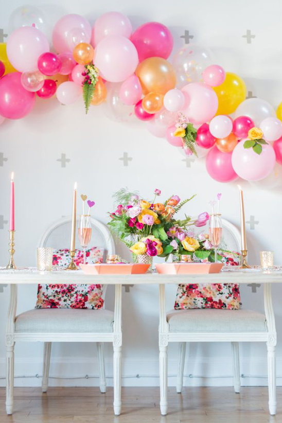 modern pink and gold sweetheart table
