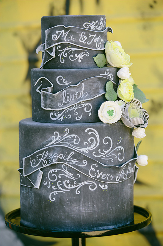 chalkboard wedding cake ideas