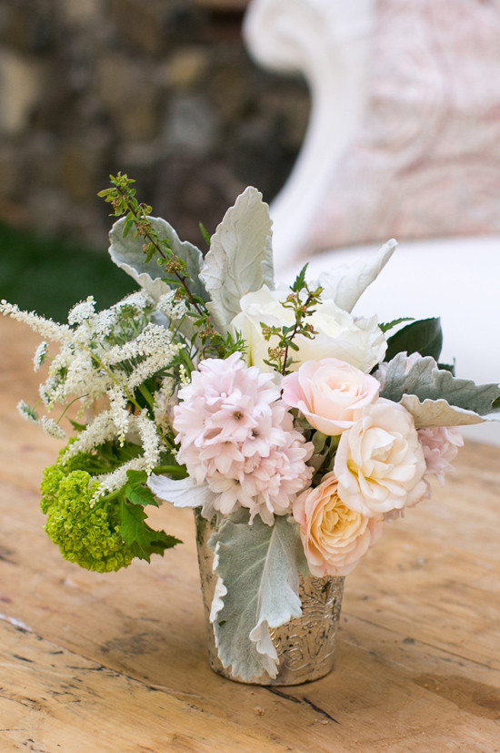 pastel floral arrangement @weddingchicks