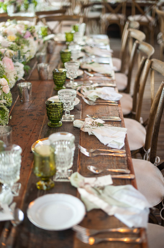 farm table reception space @weddingchicks