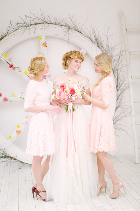 soft pink and white bridal party @weddingchicks