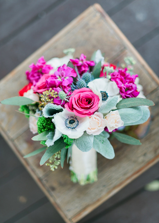 pink and white bouquet by Floral Events @weddingchicks