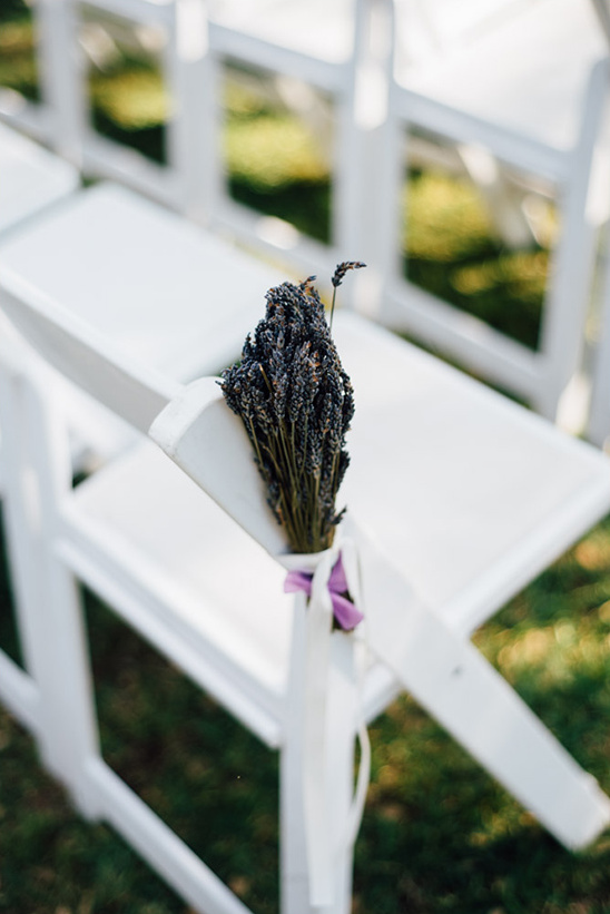 lavender wedding ceremony decor @weddingchicks