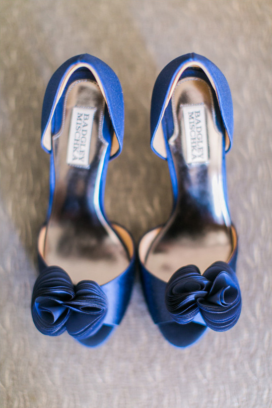 Badgley Mischka wedding shoes @weddingchicks