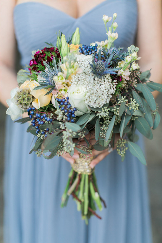 thistle and rose bouquet @weddingchicks
