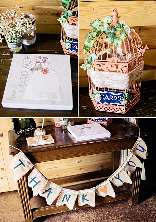 guest book and card table @weddingchicks