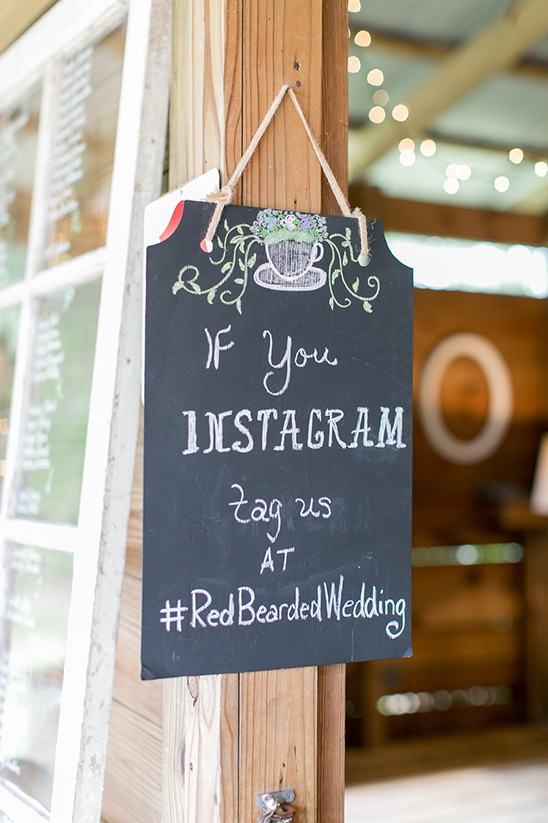 instargram sign @weddingchicks