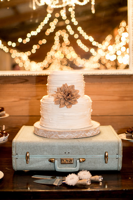 white ruffled wedding cake@weddingchicks
