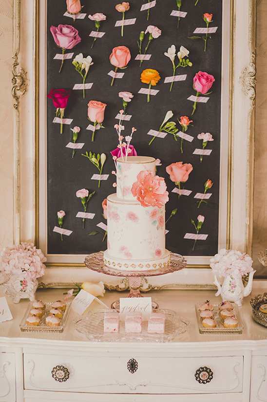 pink desert table ideas @weddingchicks