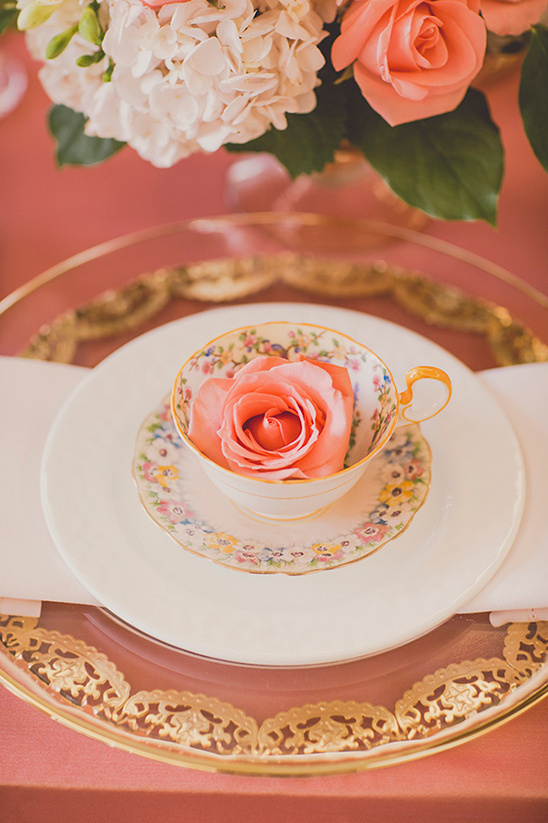 tea cup and rose @weddingchicks