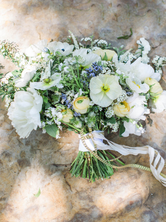 white yellow and blue bouquet by Wedfully Yours @weddingchicks