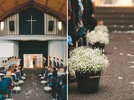 babys breath ceremony decor @weddingchicks
