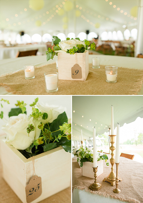 white roses table decor @weddingchicks