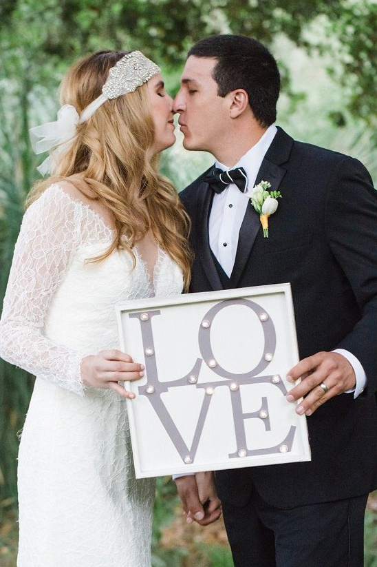 cute wedding couple photo ideas @weddingchicks