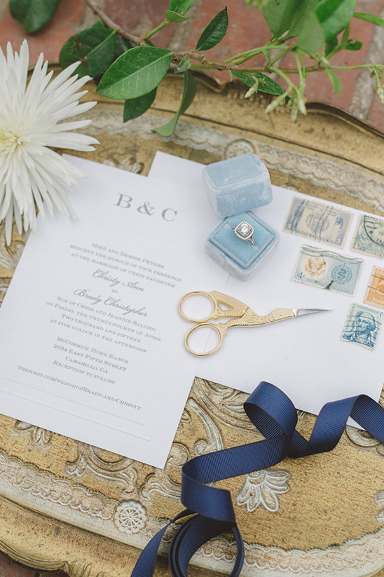 soft and simple wedding stationery @weddingchicks