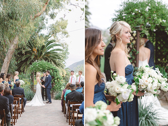 navy bridesmaid at ceremony @weddingchicks