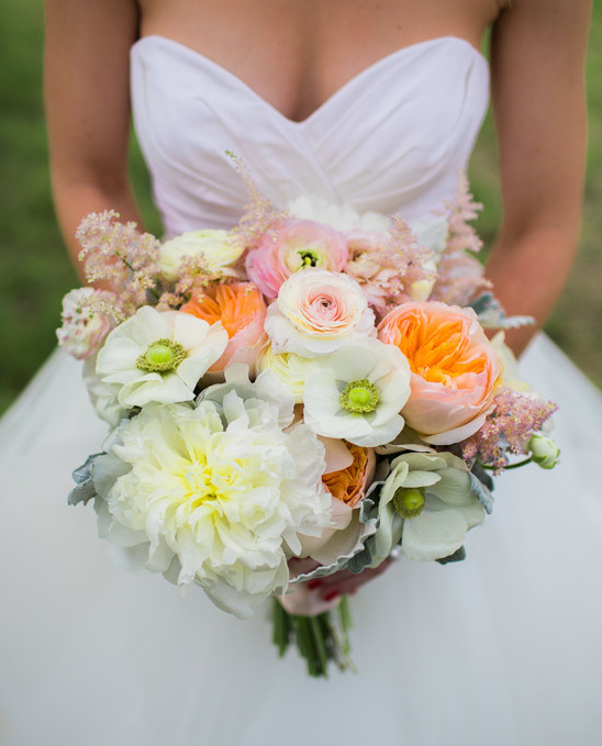 white orange and pink bouquet @weddingchicks