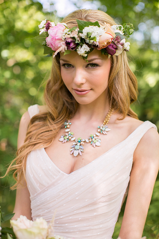 romantic bridal look with floral crown @weddingchicks