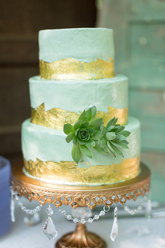 mint and gold succulent cake @weddingchicks