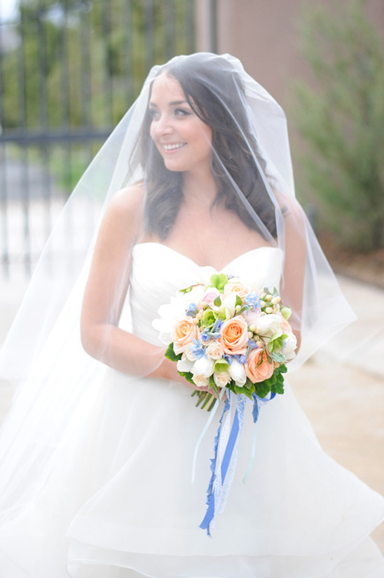 beautiful wedding veil @weddingchicks