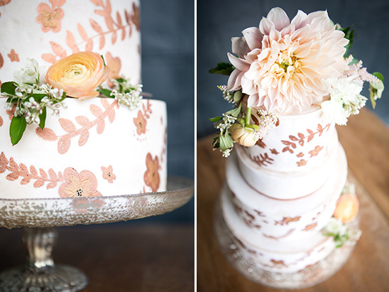 wedding cake flower details @weddingchicks