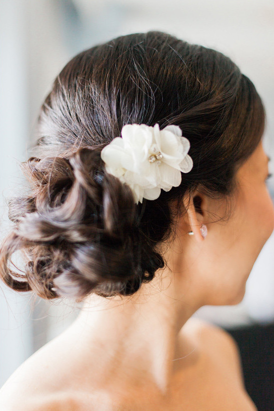 wedding updo @weddingchicks