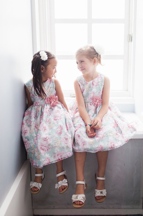 flower printed flower girl dresses @weddingchicks