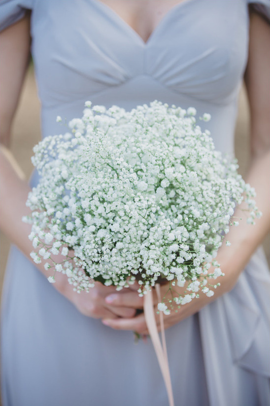 babys breath bouquet @weddingchicks