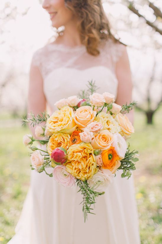 orange yellow and peach bouquet @weddingchicks