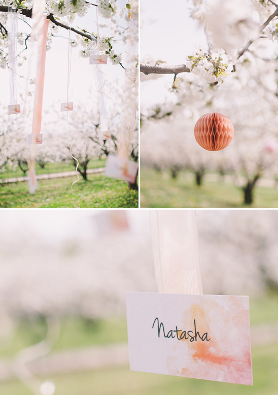 watercolor escort card display @weddingchicks