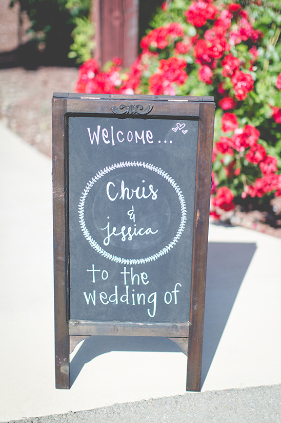 welcome wedding signs @weddingchicks