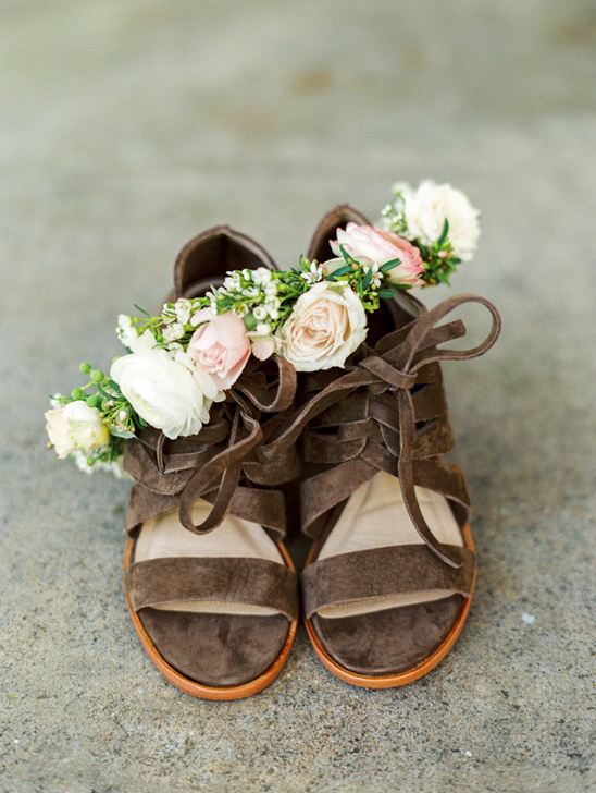 wedding shoes by Frye @weddingchicks