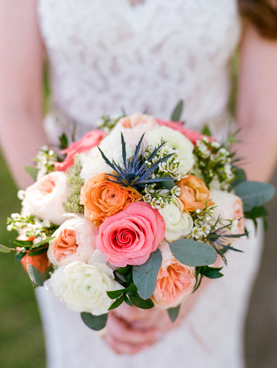 rose and thistle bouquet @weddingchicks