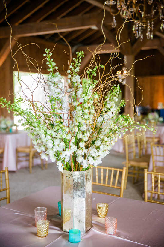 centerpiece by Branch Design Studio @weddingchicks