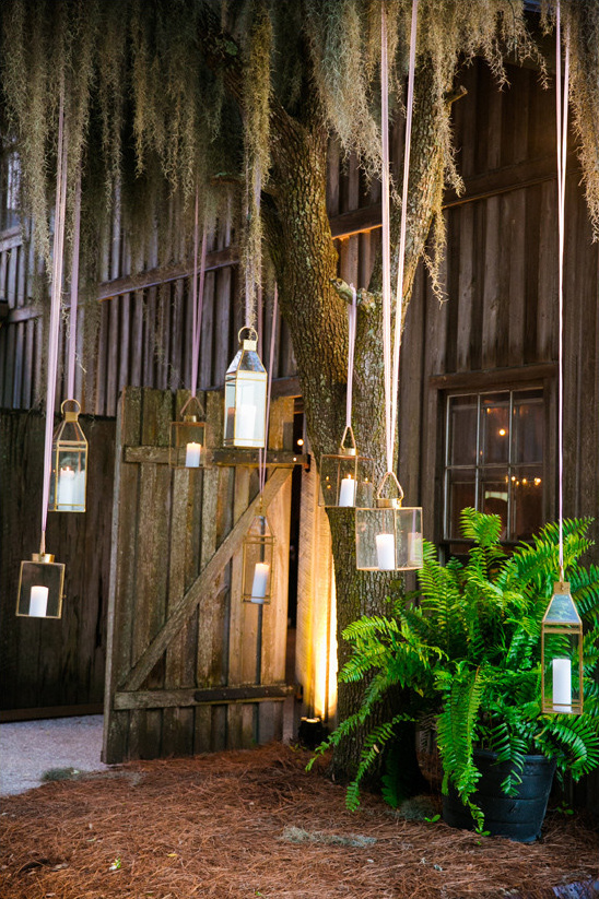 hanging lantern lights @weddingchicks
