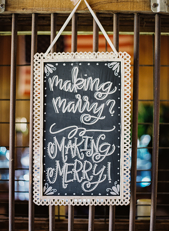 making merry sign @weddingchicks