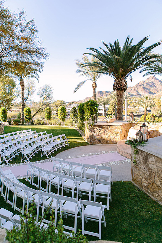 pretty wedding ceremony venue @weddingchicks