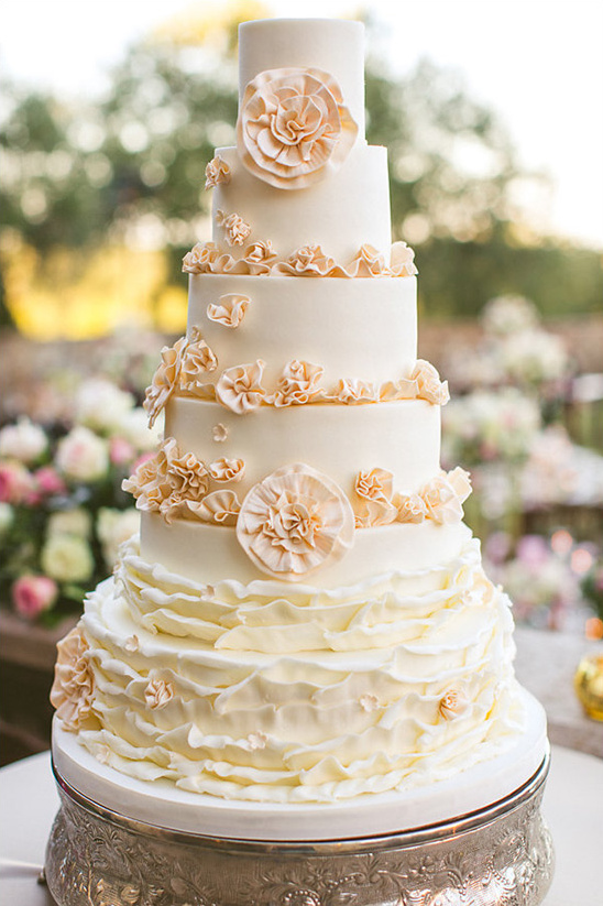 six layer stunning cake @weddingchicks
