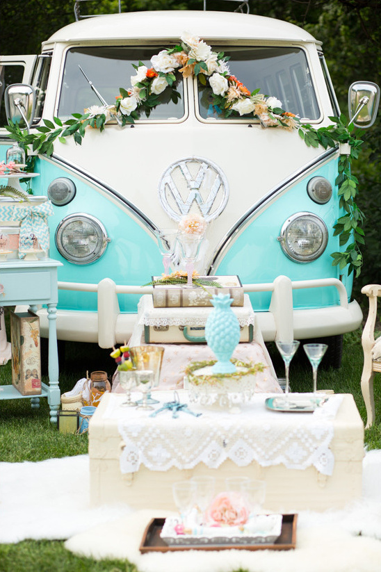 vintage decor @weddingchicks