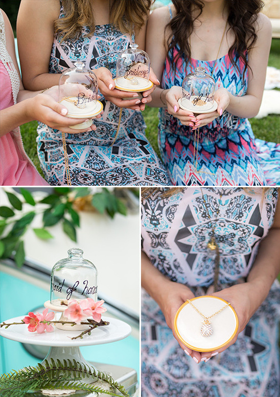 bridesmaid gifts @weddingchicks