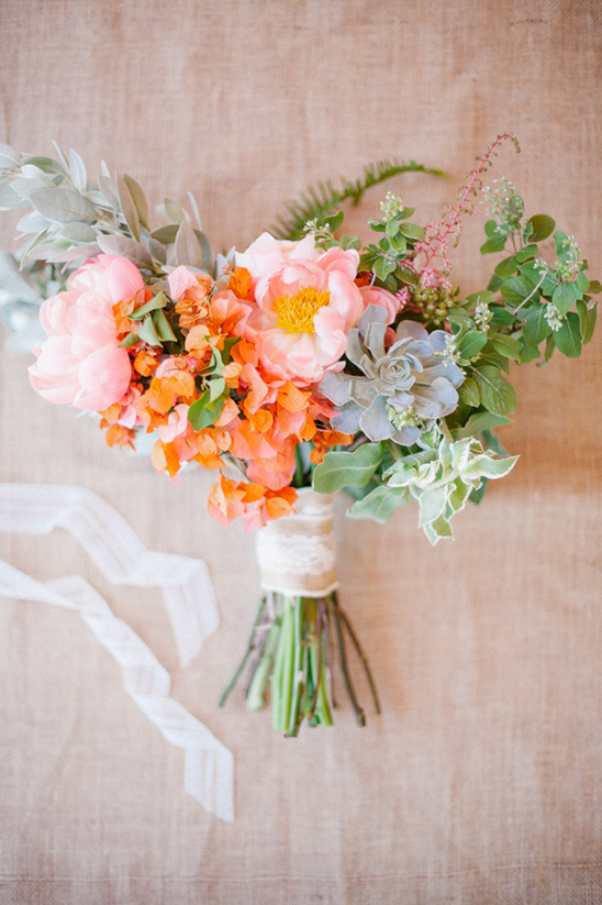 pink and orange peony wedding bouquet @weddingchicks