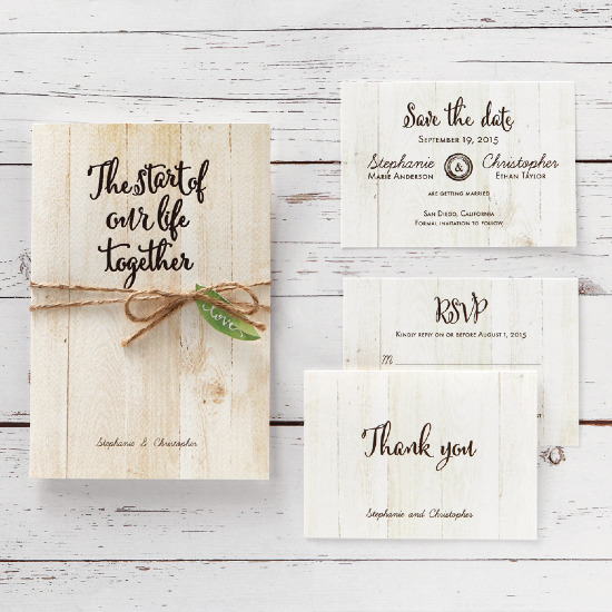 Organically inspired wedding invitations from B Wedding Invitations @weddingchicks
